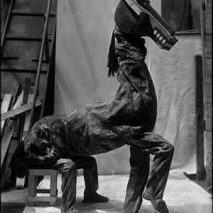 parade-acrobaten-in-paardkostuum-origineel-1917